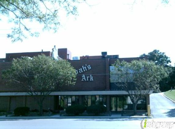Noah's Ark Restaurant - Des Moines, IA