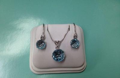 Jewelry South Lansing Style Guru Fashion Glitz Glamour
